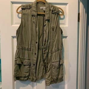 Kenneth Cole Reaction green vest